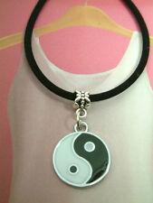 Il Feng Shui cinesi YING / Yin Yang pagua pendente, collana. Kitsch, punk, emo