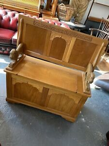 Wooden Monks Bench/settle Storage Seat With Lion Head Shaped Arms