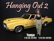 American Diorama 1:18 Scale (10 cm) Figure - Hanging Out 2 - Tanya # AD-38188
