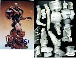 "11""ABC Warrior Robot JUDGE DREDD Sci-Fi Movies Vinyl Model Kit 1/9"