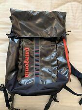 Patagonia 32L Black Hole Backpack Navy Paintbrush Red
