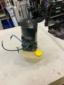 Mercruiser Power Trim Pump Assy for 1986 and later sterndrives. Used / Tested /