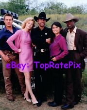 WALKER: TEXAS RANGER  -  Chuck Norris, Nia Peeples, and Cast  -  8x10 Photo