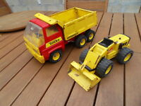 Ancien jouet 70's old tin toy truck camion benne et tracto pelle Tonka tole