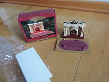 "Bearingers Lighted Fireplace Hallmark Perfect Dollhouse Furniture 1"" Scale 1993"