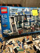 LEGO 7498 City Police Station Potentially Incomplete
