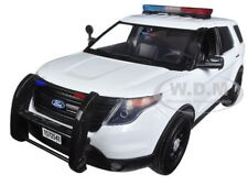 2015 FORD POLICE INTERCEPTOR UTILITY WHITE W/ LIGHTS & SOUND 1/18 MOTORMAX 73995