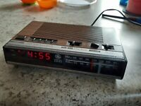 1980s GE General Electric 7-4624A AM/FM Radio Vintage Wood Grain Works
