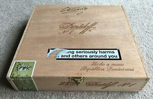Lester Piggott Cigar Box HAND SIGNED to the lid with provenance, Davidoff No 1