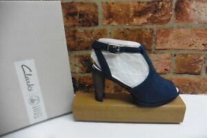 CLARKS KENDRA CHARM NAVY SUEDE T BAR HEELED SANDALS SIZE 3.5 / 36 NEW IN BOX
