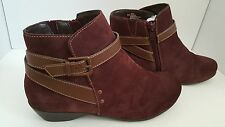 Comfortiva Ryder Womens Berry/Brown Suede Ankle Boots Size 8.5 Wide