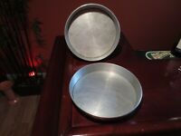 2 Vintage Mirro 1179 M Cake Pans Easy Clean Removable Bottoms Set 9 x 1-1/2 Pair