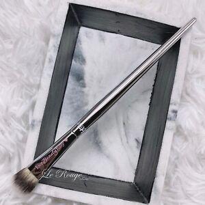 It Cosmetics Ulta All-Over large Eye Shadow Brush #216 blending packing