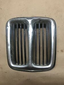 Kidney BMW  FRONT GRILL E21 318 320 320i 323i -DINGED