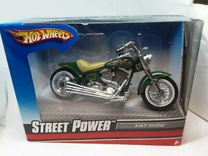 moto hotwheels fat ride 1/18 verte foncé