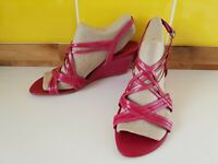 CLARKS PINK STRAPPY WEDGE HEEL SLINGBACK SANDALS SHOES SIZE 5.5 FUCHSIA