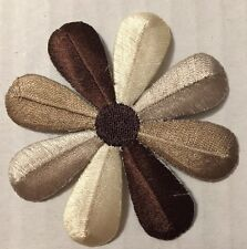 New listing Floral Patches Iron On Round Brown Beige Daisy Lot 6