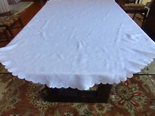 Vng White Rose Embossed Tablecloth Scalloped Edges Rec 85x57(table top 38x29)