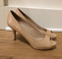 VIA SPIGA Women's Peep Toe Patent Leather Pumps Size 7.5 M Tan Beige