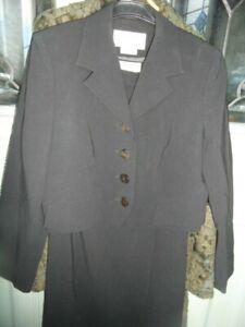 Vintage Jaeger UK12 100% Wool Skirt Suit Short Cropped Jacket Stunning Quality