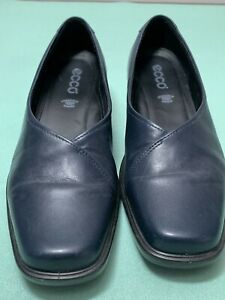 ECCO Light Womens Navy Blue Leather Slip On Loafers  - Sz 40 US Size 9 - 9.5 EUC