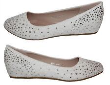 Zapatos de novia de salón con un pequeño tacón de cuña de encaje blanco pedrería b3031h-bl