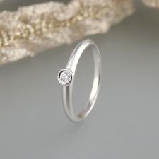 Solitär Ring 0,05ct Brillant Verlobungsring 750/18k Weißgold