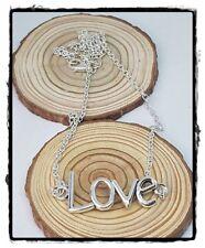 ( R-83) COLGANTE LOVE PLATA TIBETANA NUEVO MONTADO  MANO CON CADENA EN ALEACIÓN.