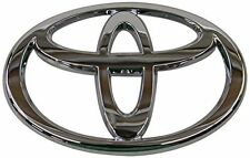 FRONT GRILLE EMBLEM TOYOTA CAMRY 2002 2003 2004-NEW GENUINE FACTORY OEM CAR