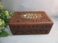 Vtg Gorgeous hand carved wood ,hinged jewelry trinket box.Inlay flower design