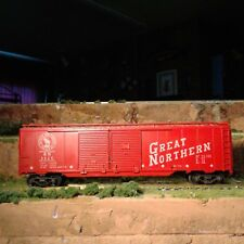HO SCALE GREAT NORTHERN RED DOUBLE DOOR BOXCAR
