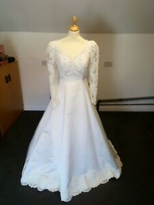 Alfred Angelo Ivory Beaded Wedding Dress, Size Small, Ref:W1355A