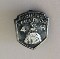 4H County Style Review Tiny Pin Badge Vintage Rare Chicago Mail Order Maker (N7)