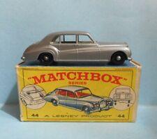 LESNEY MATCHBOX 44B Rolls Royce Phantom V silver/gray mint in original E1 box