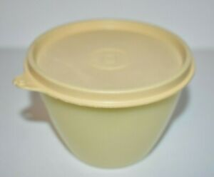 Vintage Tupperware Storage Bowl Yellow Container Lid Tupperseal 215-54 & 148-7