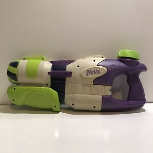 """HELIX Supersoaker Purple and Green Water Toy 16.5"""" Long"""
