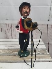 Byer's Choice set 2 Carolers Cries Figures Xmas Photographer photography camera