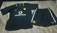 Kit de fútbol del Manchester United Camiseta + Pantalones Cortos Talla 12-13 Nike