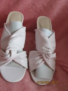 WOMEN MARKS AND SPENCER SLIP ON OPEN BACK AND TOE HEELED SHOES PALE PINK SIZE 5