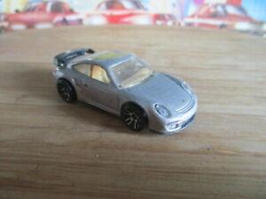 HOT WHEELS -PORSCHE 911 GT2 -1/57