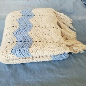 Zig Zag Cheveron Cream Blue Crochet Couch Blanket Throw Vintage Fringe Retro