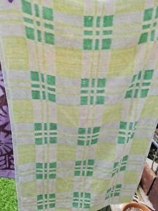 1x Vintage Bath Towel checked Green Beach Hut Mid Century Retro prop