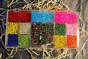 Bastelbox mit Glasschmuckperlen, Buchstabensteinen, Kettenverschlüssen & Faden 3