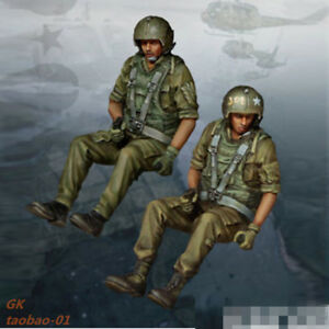 1:35 resin soldiers figures model WW II 2 pilots in the helicopter group 4513