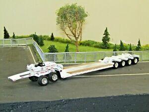 Dcp white tri axle Fontaine Magnitude lowboy w/jeep&4th flip new no box 1/64