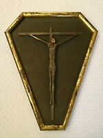Crucifijo Antigua Arte Sagrada Hierro Con Marco de La Dorada En Terciopelo Verde