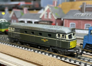 Minitrix N Gauge Class 27 D5379 BR Green, Engine and Lights work well, See VIDEO