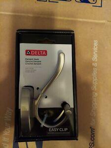 Delta Dansant Hook Brushed Nickel