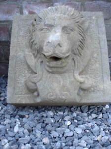 ancienne face en pierre bleu d une fontaine , a voir !!! , jet d eau