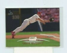 MARK MCGWIRE 1999 TOPPS STADIUM CLUB #70 ST. LOUIS CARDINALS